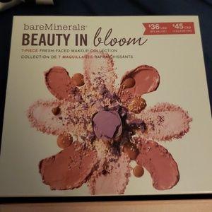 BareMinerals 7 piece Makeup Set Beauty in Bloom